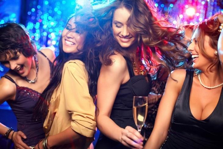 Devojke u klubu