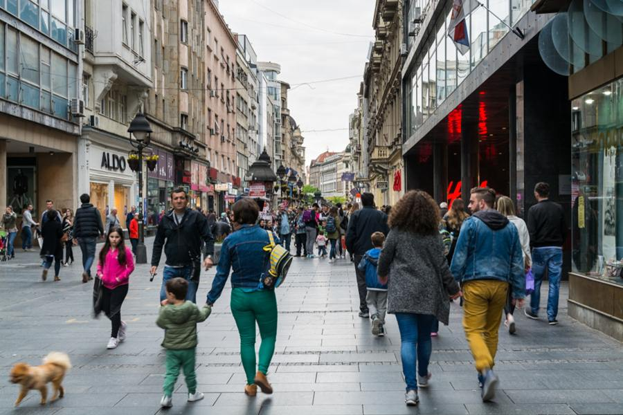 Ljudi na beogradskim ulicama