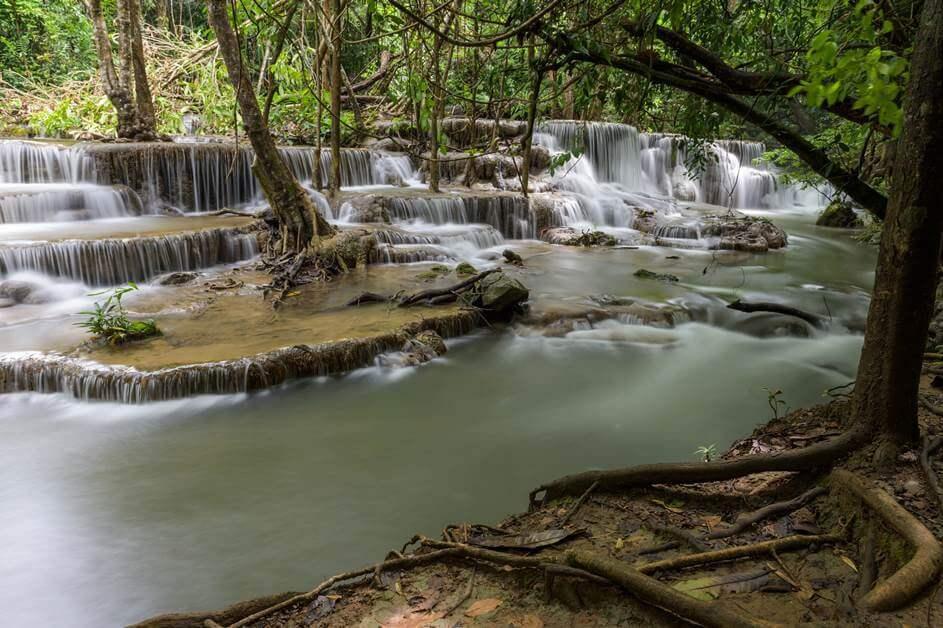 Vodopad u šumi